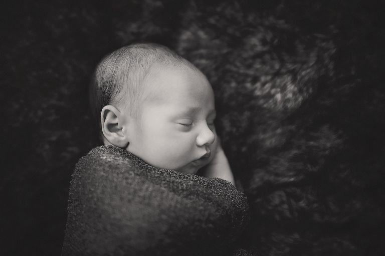 newborn lifestyle photography east syracuse cazenovia new york photographer